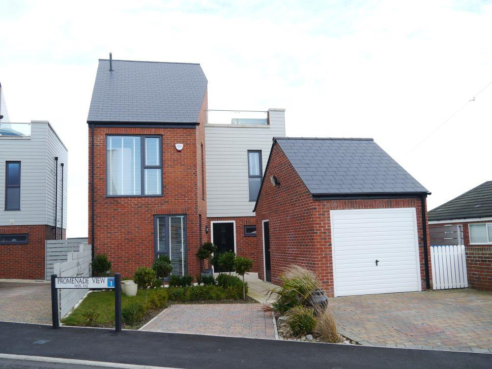 4 Bedrooms Detached House for sale in Promenade View, Newbiggin-By-The-Sea, Northumberland